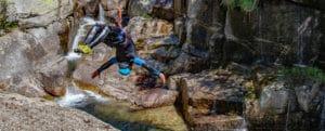 salto arrière en canyoning